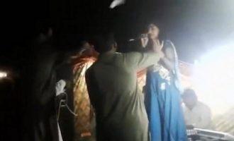 Δολοφόνησαν εν ψυχρώ έγκυο τραγουδίστρια πάνω στη σκηνή (βίντεο)