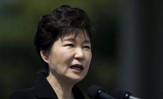"""Νέα """"καμπάνα"""" για την πρώην πρόεδρο της Νότιας Κορέας με τα ακριβά γούστα"""