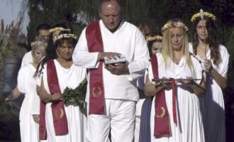 """ΥΣΕΕ: """"Οι Ορθόδοξοι θεοκράτες διεκδικούν αμεσότερο έλεγχο της Παιδείας"""""""