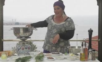 Η Μαρία Εκμεκτσίογλου μαγειρεύει στα Βυζαντινά Τείχη της Κωνσταντινούπολης