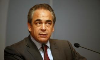 Βενιζέλος σε Μίχαλο: Να επανέλθει η υποχρεωτική εγγραφή στα επιμελητήρια