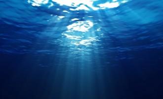 """Οι ωκεανοί """"κρύβουν"""" τεράστια αποθέματα γλυκού νερού"""