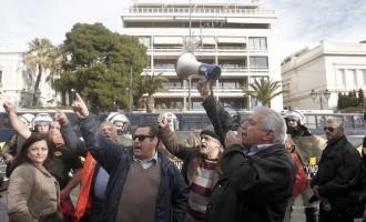 Αντιπαράθεση ΝΔ – ΣΥΡΙΖΑ για τις συγκεντρώσεις