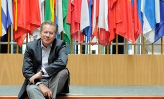 Αναστάτωση στους γαλάζιους βουλευτές Αθηνών προκαλεί ο Κουμουτσάκος