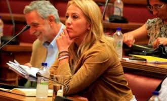 """Ρ. Δούρου: """"Αφωνία Βενιζέλου για τους Έλληνες ομογενείς της Ουκρανίας"""""""