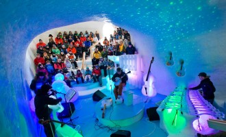 Σουηδία: Συναυλία με όργανα από πάγο