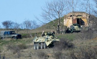 Οι Ρώσοι κατέλαβαν με έφοδο τη Βάση του Μπελμπέκ στην Κριμαία