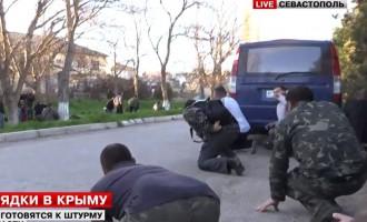 Φωτορεπορτάζ από την εισβολή και κατάληψη της βάσης Μπελμπέκ από τους Ρώσους