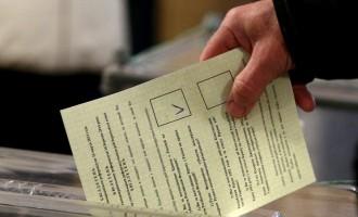 Κριμαία: Στο 64% η συμμετοχή στο δημοψήφισμα