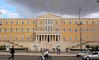 """Η ΓΣΕΒΕΕ καλεί τους Βουλευτές να πούνε """"όχι"""" στο πολυνομοσχέδιο"""