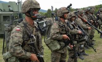 Οι Πολωνοί ζητάνε από τις ΗΠΑ να στείλουν στρατό να τους προστατεύσει από τον Πούτιν