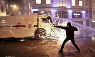 Δείτε LIVE εικόνα από τα επεισόδια στην Κωνσταντινούπολη