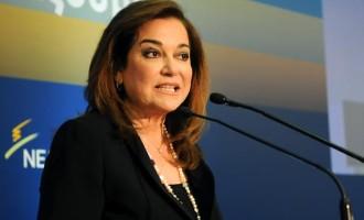 Η Μπακογιάννη κάνει λόγο για «πλασματικά στοιχεία» για την πορεία του ΕΣΠΑ