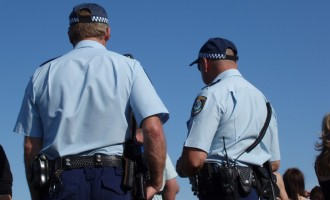 Ελληνοαυστραλός αστυνομικός αρνείται να ξυρίσει το μούσι του!