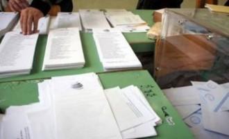 Απίστευτο! Μέλος εφορευτικής επιτροπής έκλεψε κινητό εκλογικής αντιπροσώπου