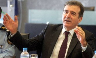 Χρυσοχοΐδης: Το νομοσχέδιο αφορά τις διαδηλώσεις 50 ατόμων – Τι άλλο διευκρίνισε