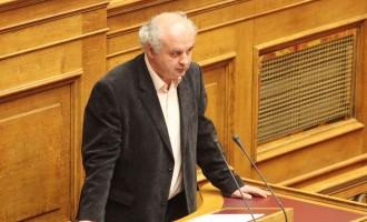 Το ΚΚΕ καταψηφίζει την πολιτική της κυβέρνησης και του Σταϊκούρα