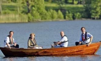 Η Μέρκελ κάνει βαρκάδα μαζί με τρεις Ευρωπαίους ηγέτες