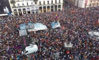 Δημοκρατικός ξεσηκωμός στην Ισπανία: Ο λαός ζητά το τέλος της μοναρχίας