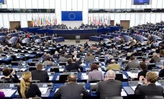 Το Ευρωπαϊκό Κοινοβούλιο ενέκρινε βοήθεια 823 εκατ. για τον κορωνοϊό – Πόσα θα πάρει η Ελλάδα