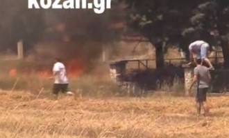 Κρόκος Κοζάνης: Η φωτιά έφτασε στις αυλές των σπιτιών (βίντεο)