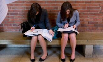 Ξεκίνησαν οι αιτήσεις: 30.000 θέσεις εργασίας για νέους 25 – 29 ετών