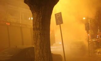 Αυτοκίνητο τυλίχτηκε στις φλόγες ενώ κινούνταν σε δρόμο στα Χανιά