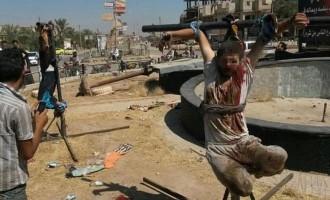 Οι τζιχαντιστές έχουν περικυκλώσει χωριό και θα τους σφάξουν εάν δεν εξισλαμιστούν