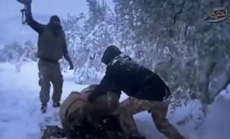 """Προπαγάνδα τζιχαντιστών: """"Παίζουμε χιονοπόλεμο και περνάμε καλά"""" (βίντεο)"""