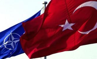 Politico: Μήπως πρέπει να πετάξουμε την Τουρκία από το ΝΑΤΟ (;)