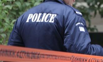 Φρίκη στη Σταμάτα: Άνδρας κατακρεούργησε με ψαλίδι τη σύντροφό του