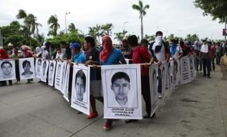 Μεξικό: Οι φοιτητές απήχθησαν, δολοφονήθηκαν και οι σοροί τους κάηκαν