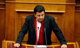 Δεν ψηφίζει Πρόεδρο της Δημοκρατίας ο Πάρις Μουτσινάς