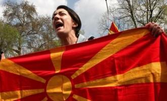 """Ποιος κερδίζει από τη μη λύση στο Σκοπιανό – Το υπόγειο """"παιχνίδι"""" της Τουρκίας"""