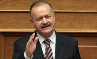 Ο «υπασπιστής» του Σαμαρά Δημήτρης Σταμάτης επιτέθηκε στον Πρόεδρο της Δημοκρατίας