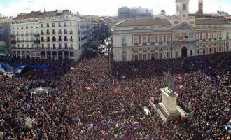 Λαοπλημμύρα με ελληνικό άρωμα στην Ισπανία από το Podemos (φωτο + βίντεο)