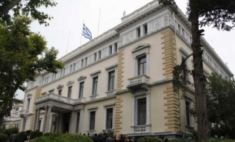 Στις 12.00 ορκίζεται η νέα κυβέρνηση στο Προεδρικό Μέγαρο