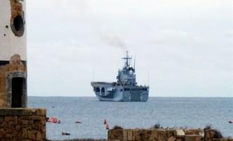 Ακυβέρνητο πλοίο με 450 μετανάστες πλησιάζει τις ακτές της Ιταλίας