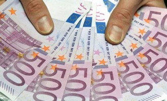 Πώς θα γίνεται έλεγχος για ξέπλυμα χρήματος από τα 1.000 ευρώ
