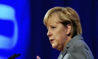 Δεσμεύσεις Μέρκελ: Θα βρεθούν οι αιτίες της συντριβής του αεροσκάφους