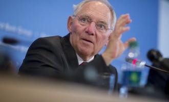 Ο Σόιμπλε περιμένει στη γωνιά να μας διώξει από το ευρώ Αύγουστο – Σεπτέμβριο