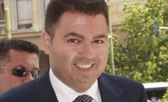 """""""Καρκινοβατεί"""" η συνέχιση της δίκης Λαυρεντιάδη για την Proton Bank"""