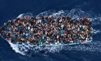 Ξύλινο σκάφος με 120 πρόσφυγες και μετανάστες ανοιχτά της Καρπάθου