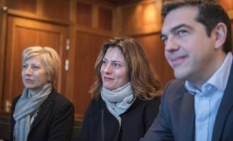 Η Μπέτυ Μπαζιάνα καθηγήτρια στο Πανεπιστήμιο Δυτικής Μακεδονίας