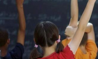Συγκλονίζει δασκάλα μιλώντας για τη ζωή των παιδιών που δεν έχουν να φάνε