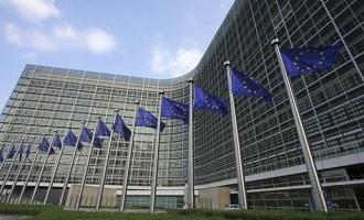 Η Ευρωπαϊκή Επιτροπή ζητά «να επιλυθεί επειγόντως» το ζήτημα της ονομασίας των Σκοπίων