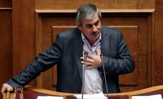 Έξοδο από την Ευρωζώνη ζητά ο Πετράκος
