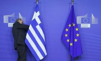 Guardian: «Η Ευρώπη πρέπει να σώσει την Ελλάδα για να σώσει τον εαυτό της»