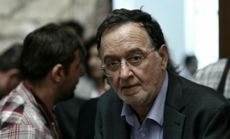 Ο Λαφαζάνης μπήκε στη συνεδρίαση της Κ.Ο. μετά την ομιλία Τσίπρα