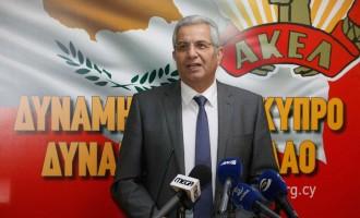 Ράπισμα στον Κυπριανού του ΑΚΕΛ από την κυπριακή Προεδρία: «Διάβασε προσεκτικά τον Κοτζιά»